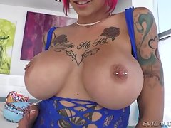 Tattooed Anna Sodomized To Gaping!